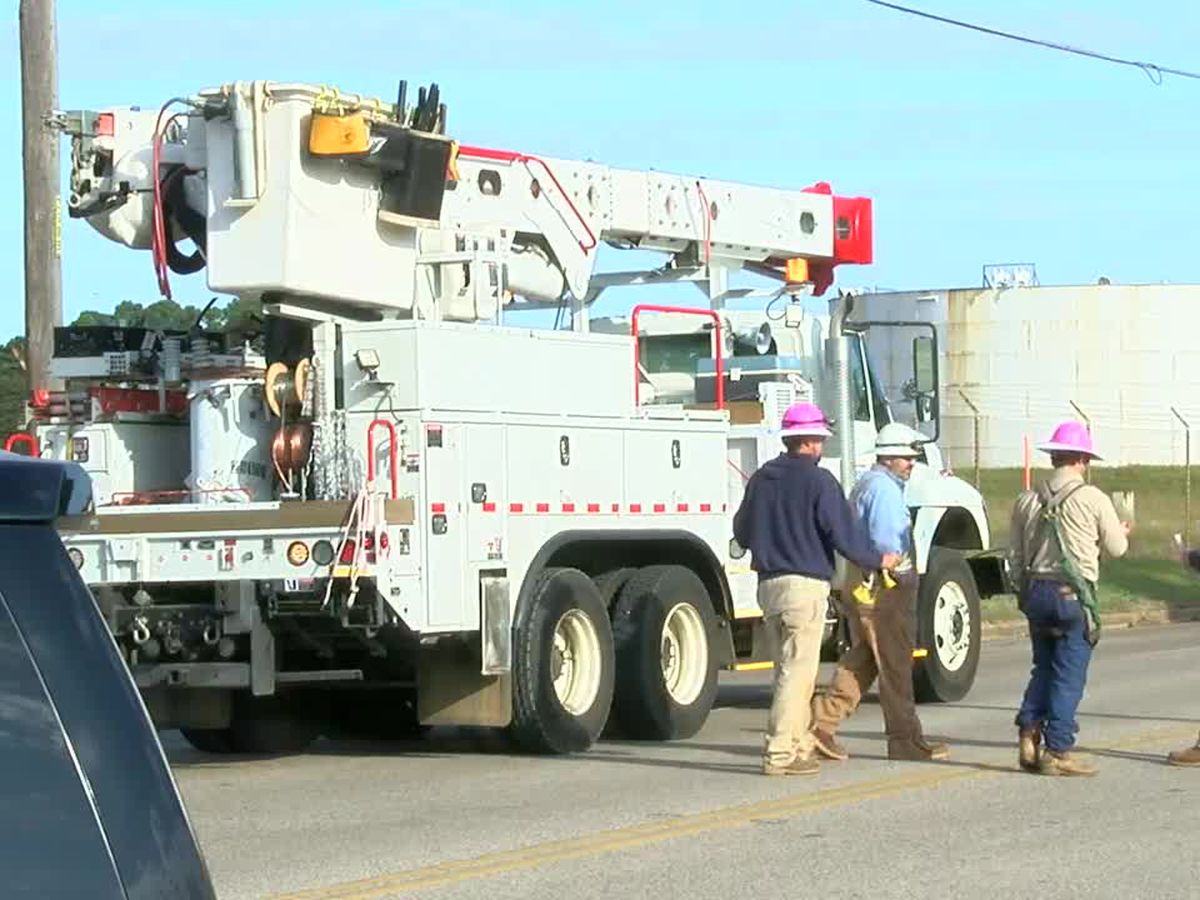 Crash causes power outage to voting location, middle school in Longview