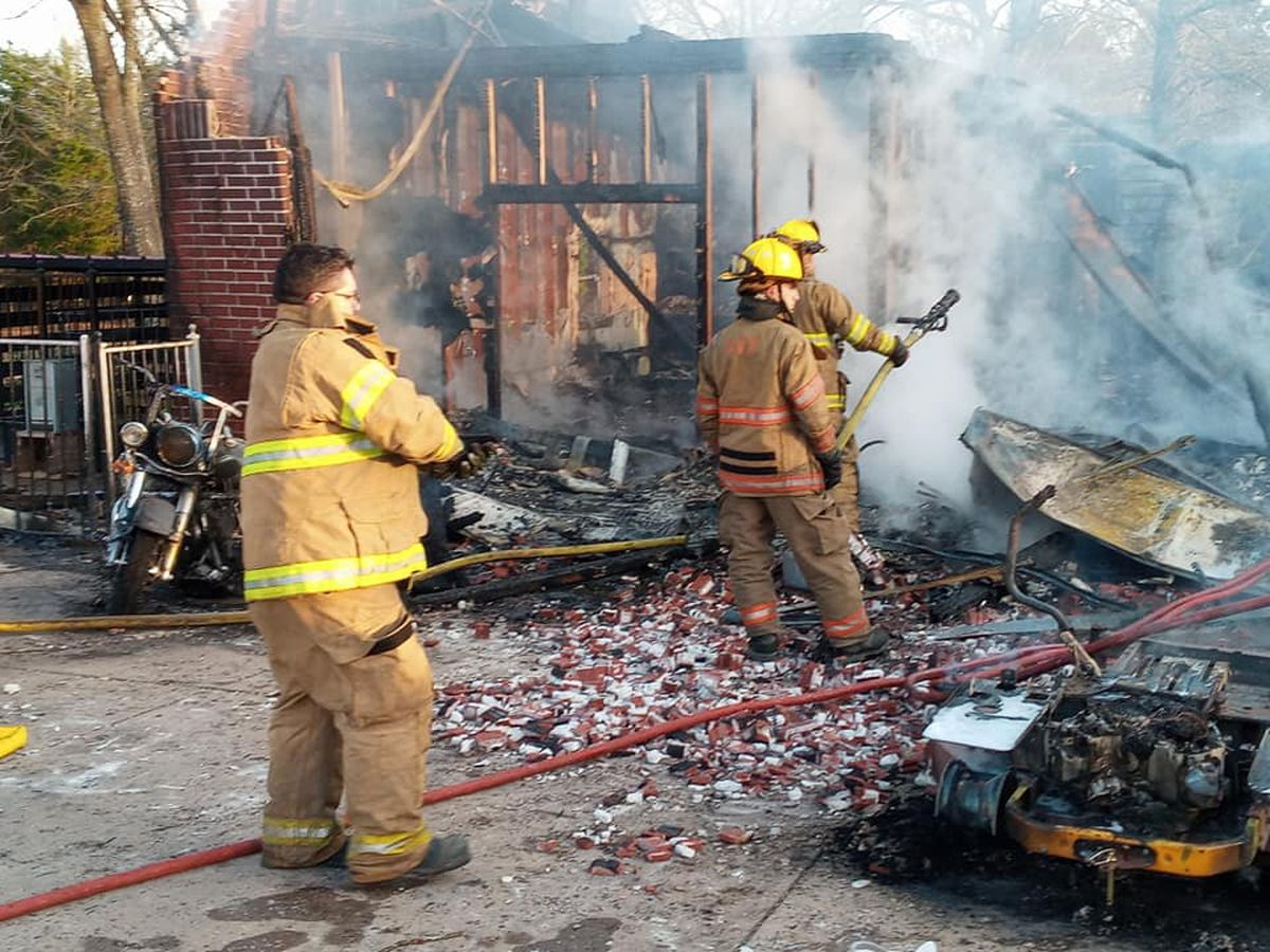 Fire destroys motorcycle, gun safes inside garage in Van Zandt County