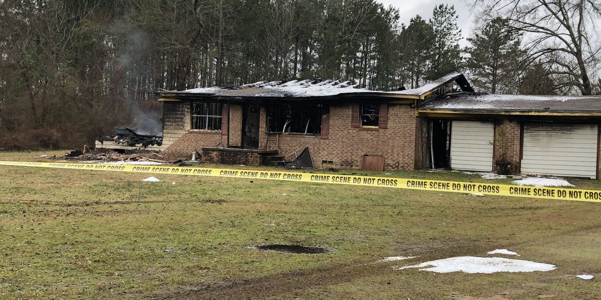 Man suffers minor injuries in Winona house fire; home is total loss