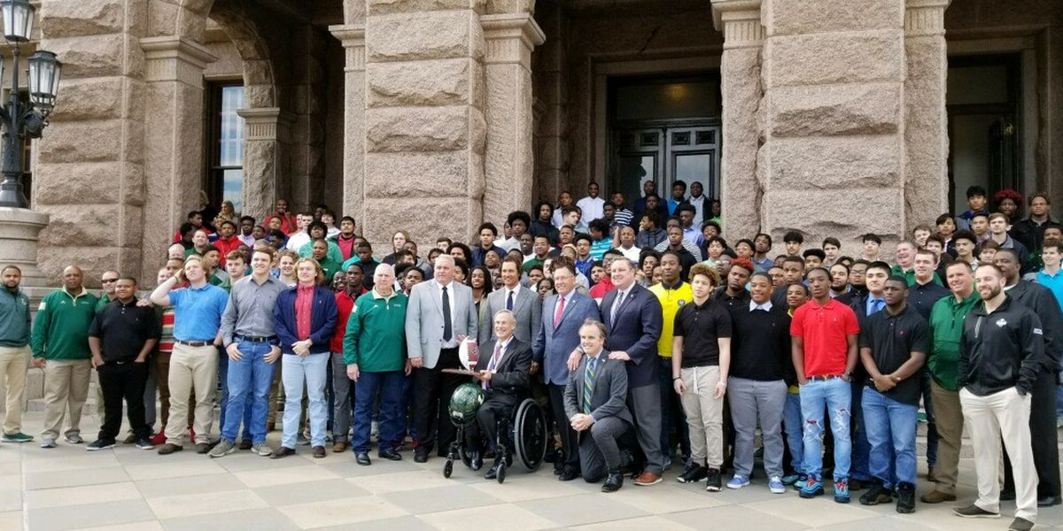 Longview Lobos ring ceremony to honor state champs