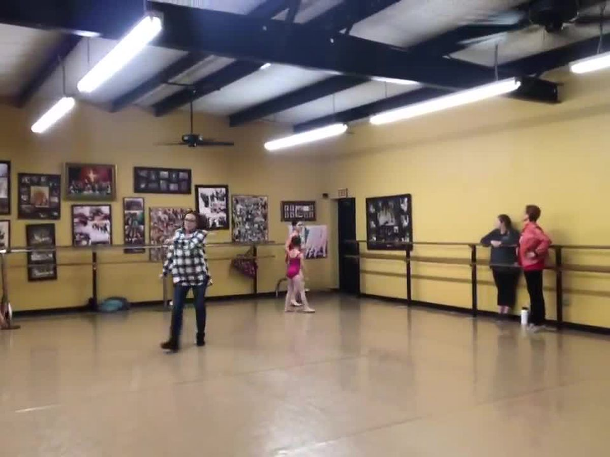 WEBXTRA: Longview Ballet Theatre welcomes guest choreographer for Cinderella performance