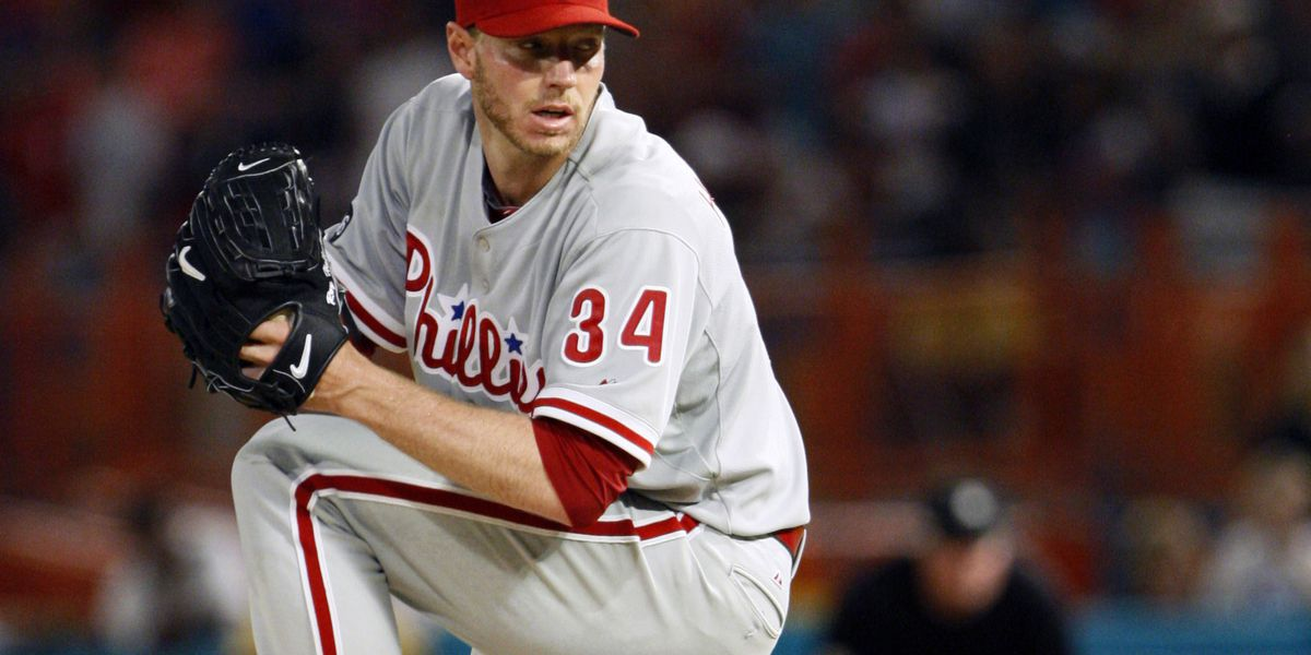 Report: Baseball star Roy Halladay was doing stunts when plane crashed