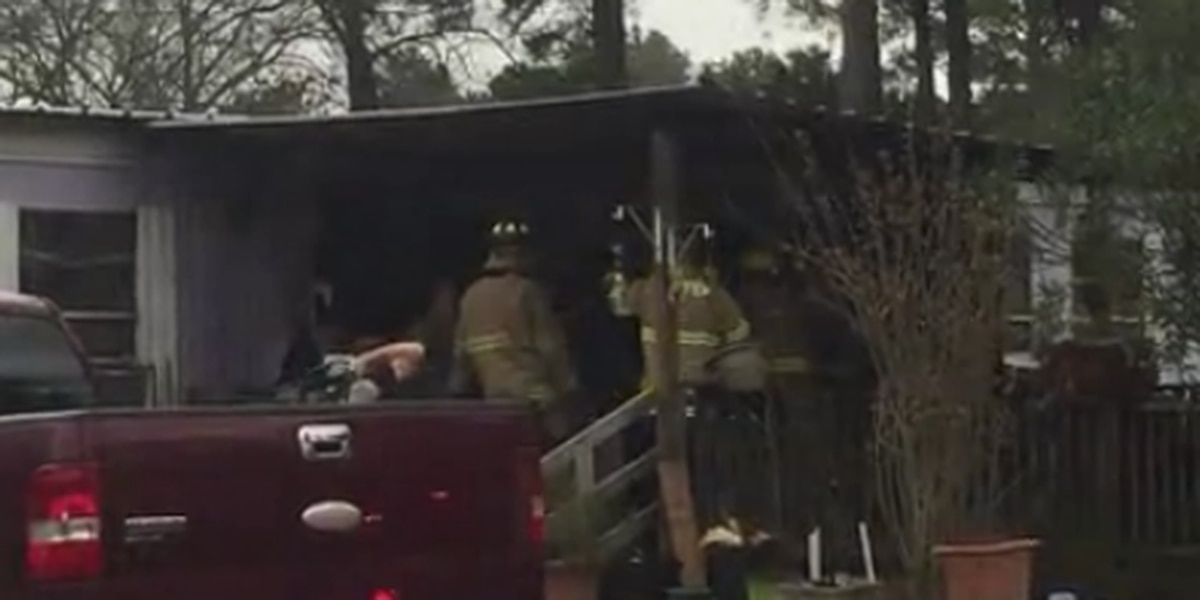 Longview crews responding to possible structure fire