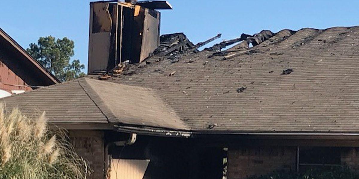 Residents escape Longview duplex fire