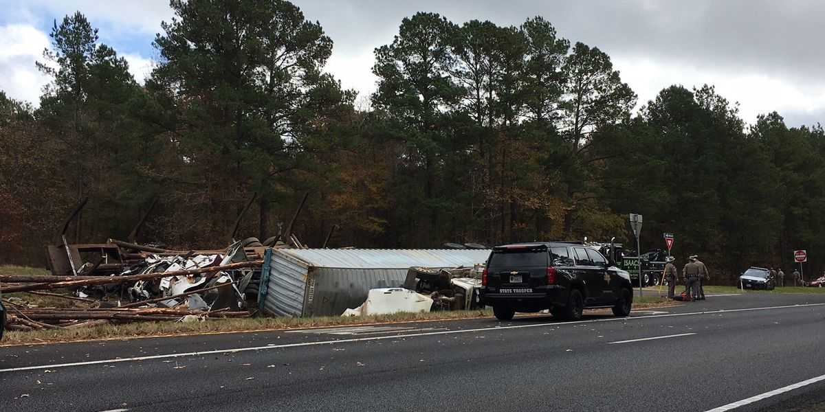 DPS identifies man killed after two 18-wheelers collide on Highway 69 South, near Rusk