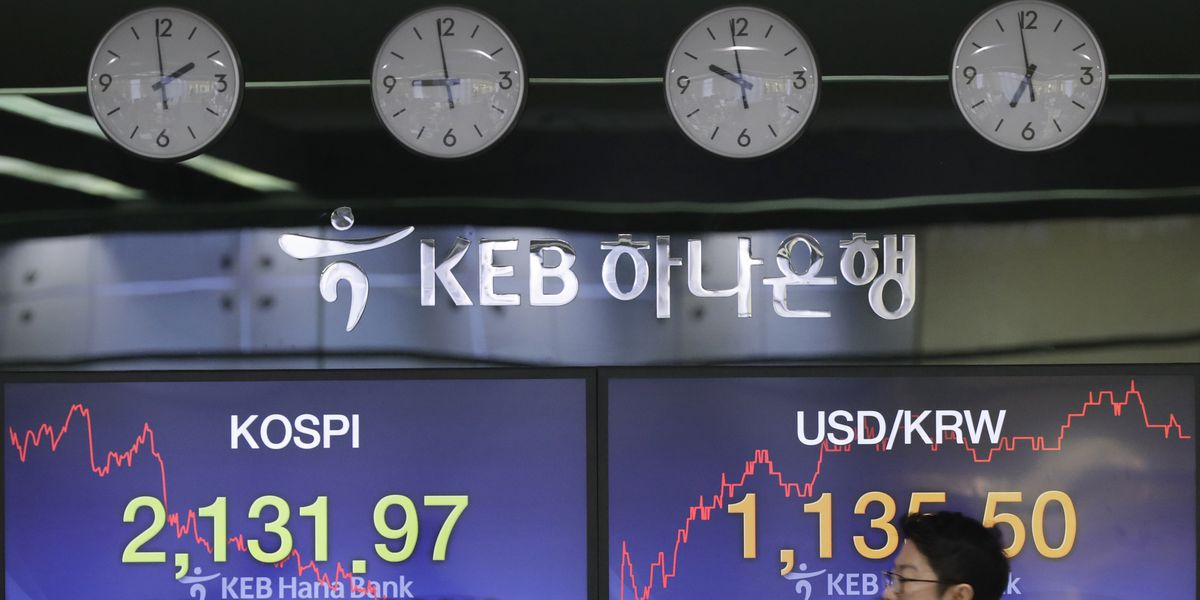 Asian shares tumble as Chinese growth concerns sink in
