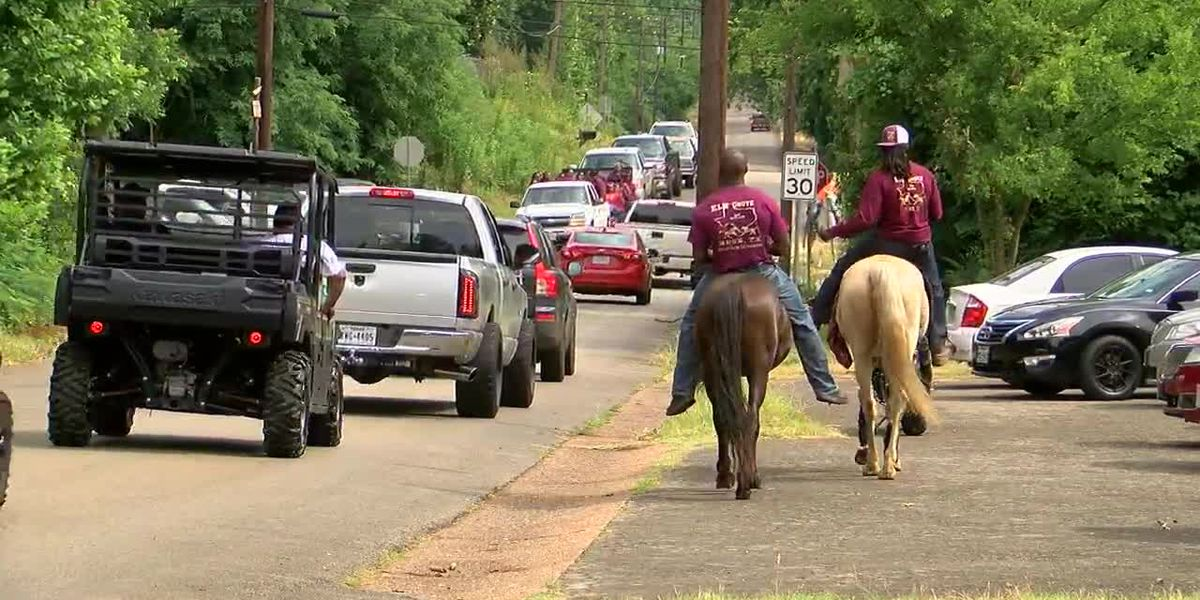 Jacksonville residents gather for Juneteenth parade