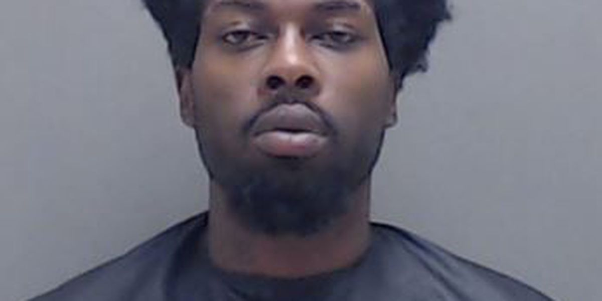 Man arrested by Marshall police after fleeing destructive Whataburger scuffle