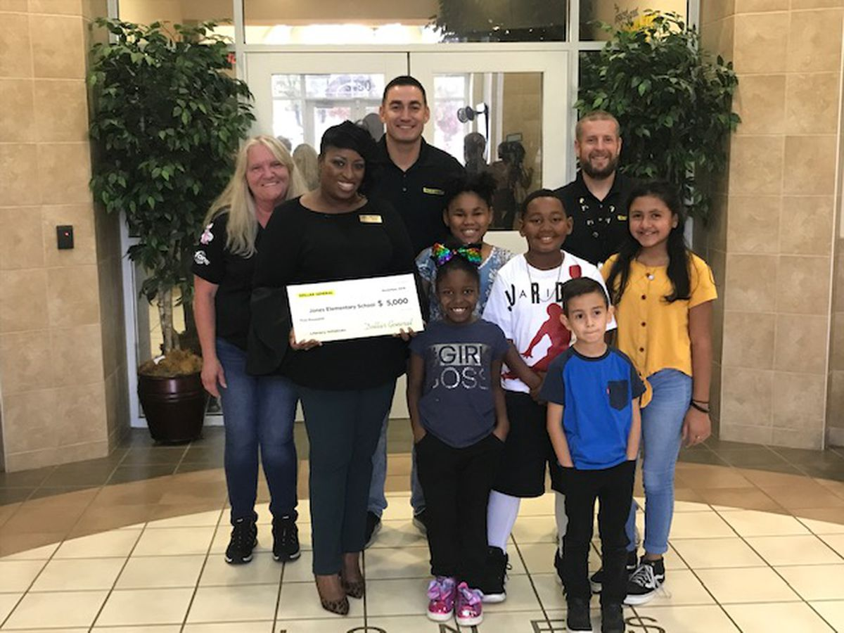 Dollar General surprises two Tyler schools with $5,000