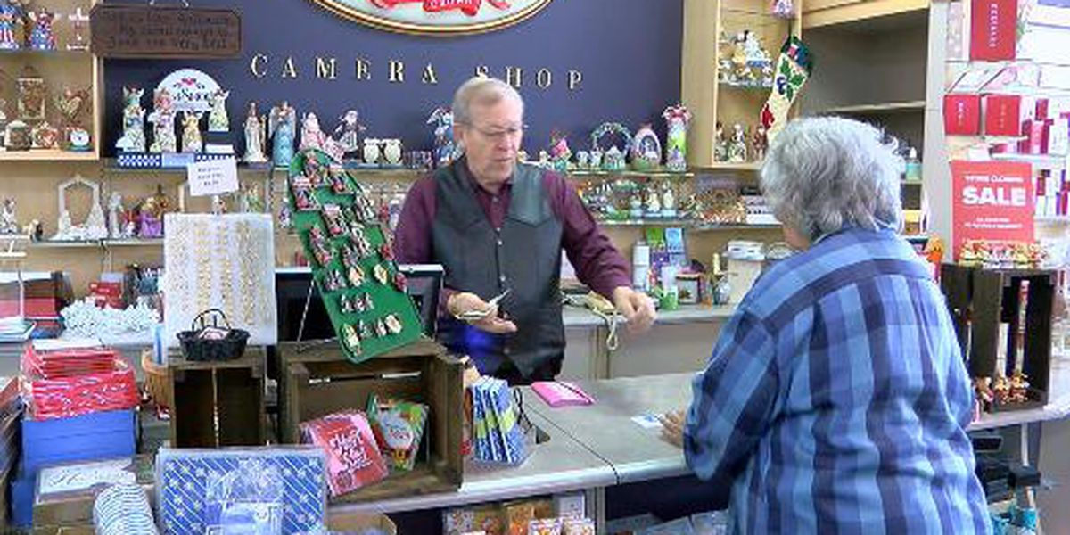 After nearly 7 decades, Longview Hallmark store to close