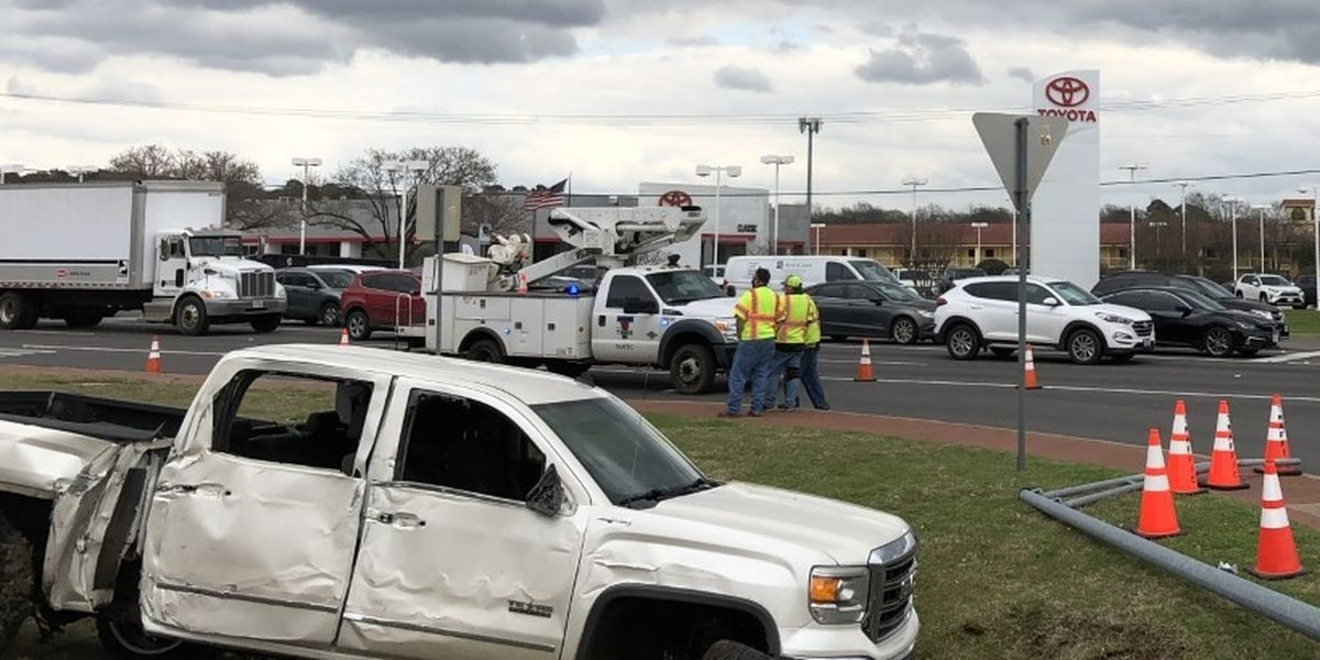 Traffic blocked on loop, Old Jacksonville Hwy after utility pole struck