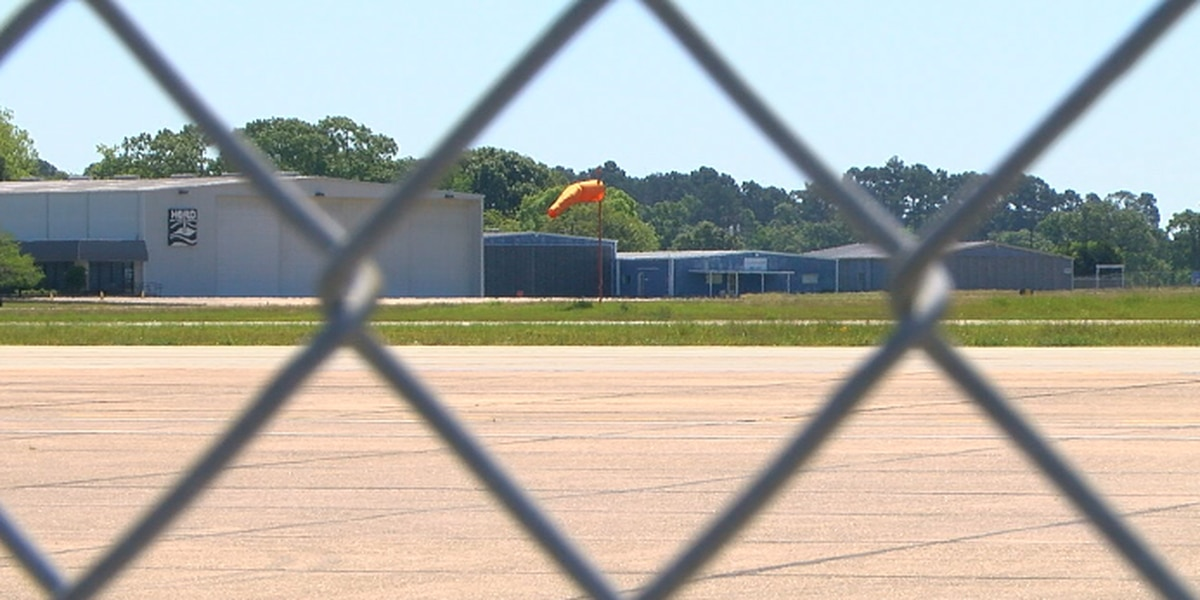 American Airlines cutting flights at Tyler Pounds airport as demand falls