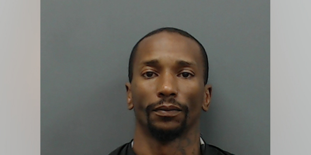 Longview man indicted after allegedly striking an officer in the face