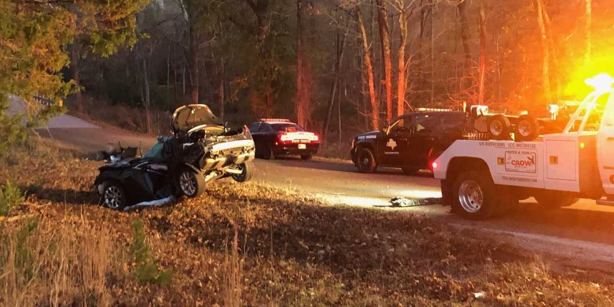 One dead in early morning wreck near Troup