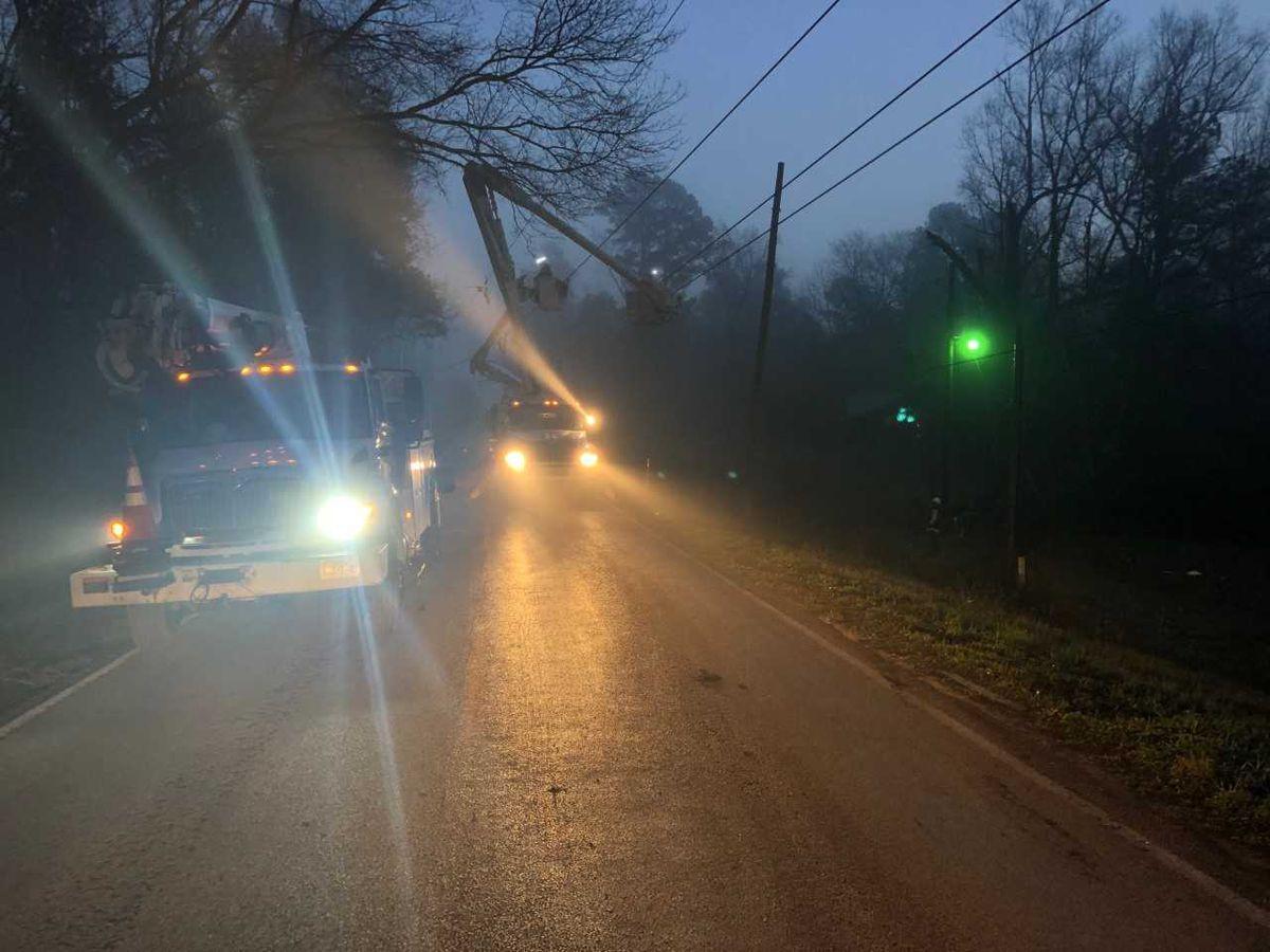 Wreck involving downed power line shuts down Kilgore road