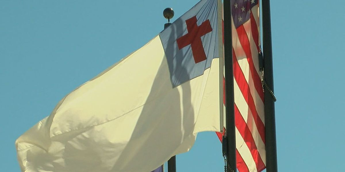 LaPoynor school officials, community members discuss Christian Flag, FFRF letter