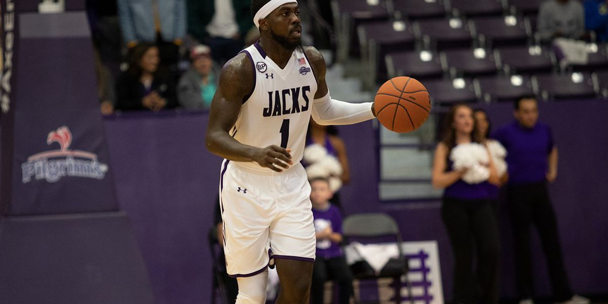 Kevon Harris closing in on SFA men's basketball scoring record