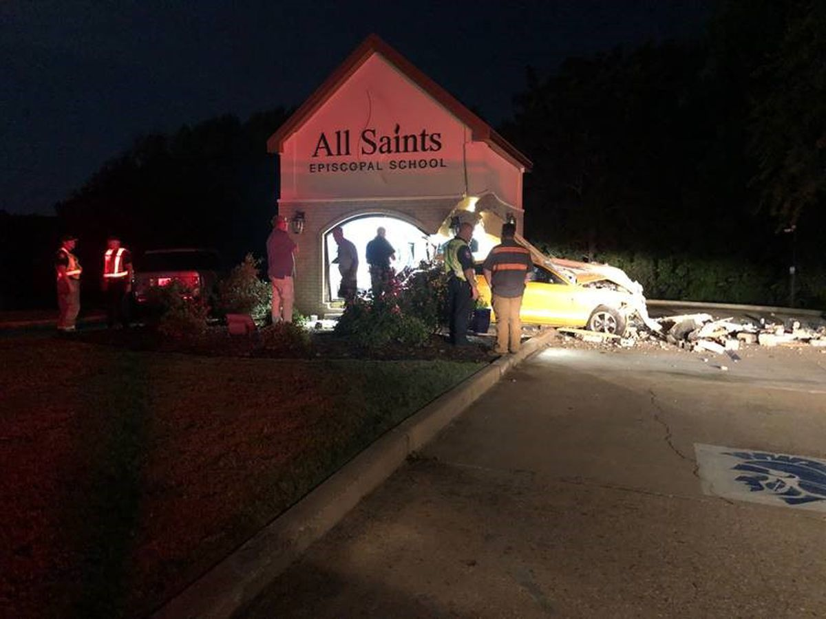 Driver crashes into All Saints Episcopal School security building, flees with license plates