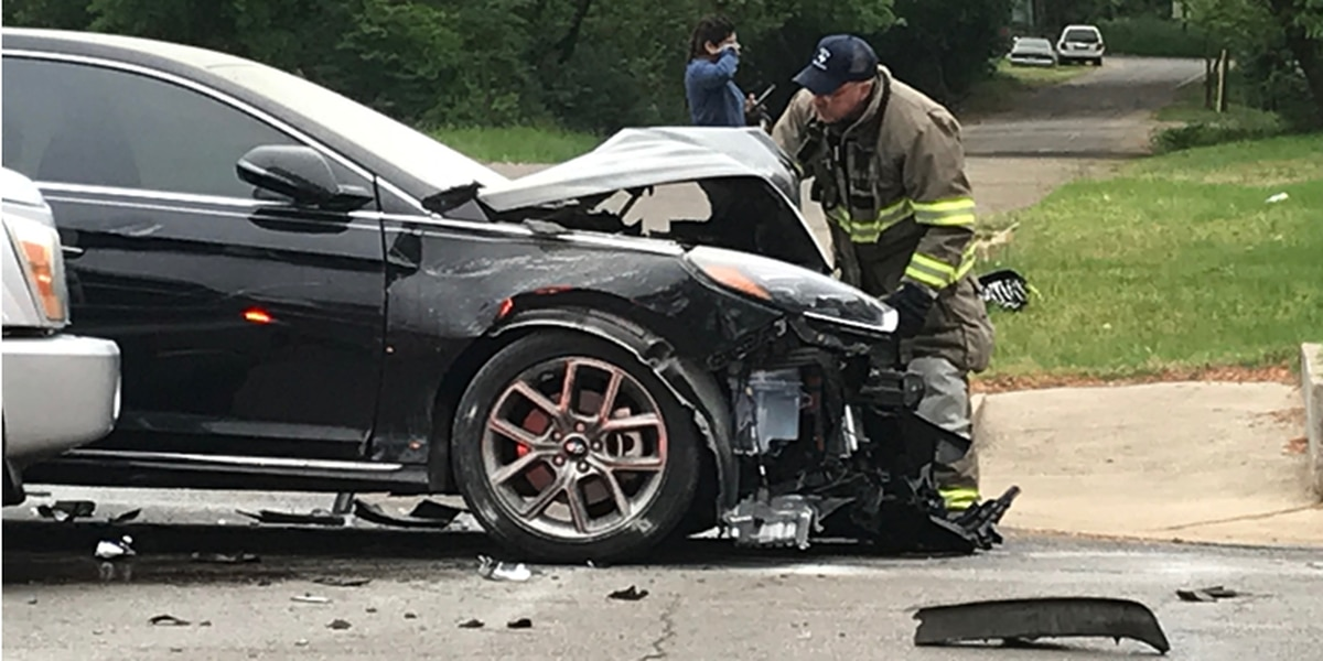 Witness: Passerby puts out car fire after crash in Tyler