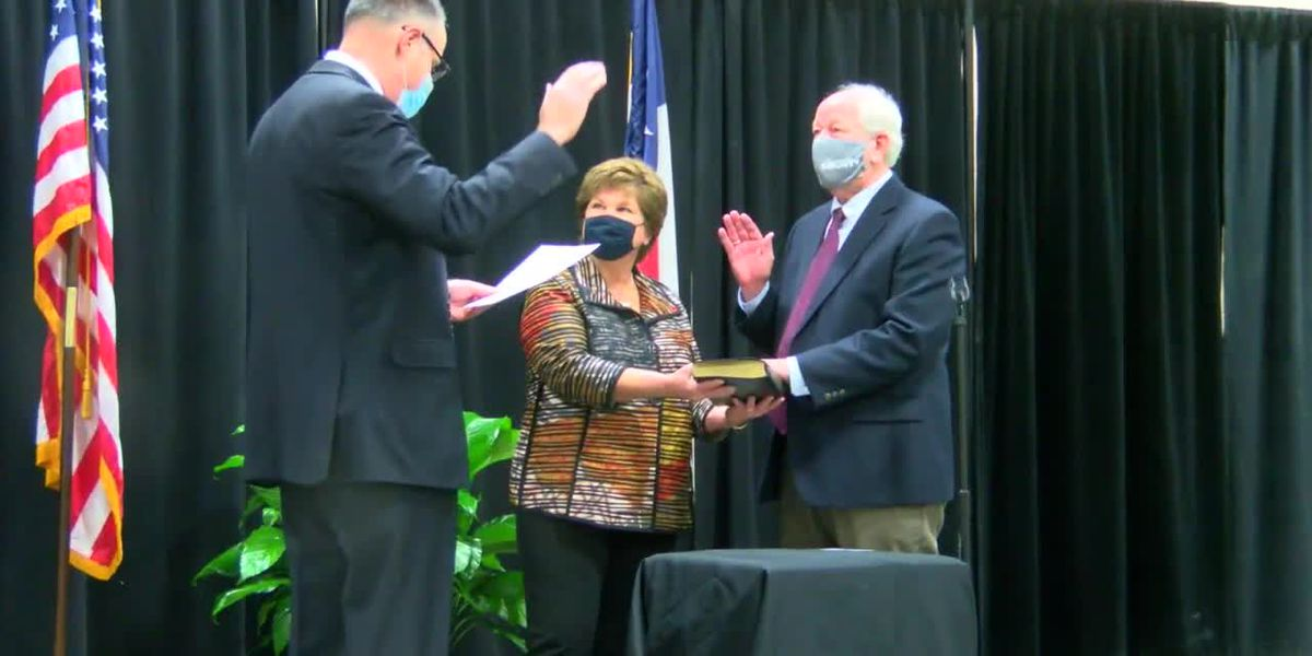 Nacogdoches County elected officials swear in new district judge, district attorney