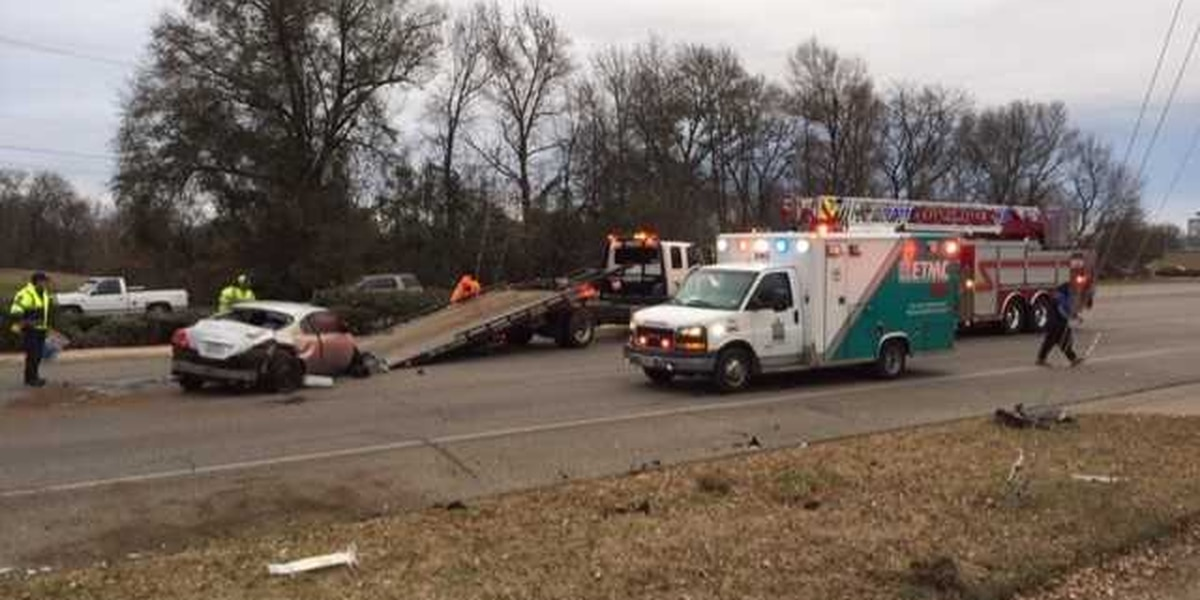 Tyler police responding to report of pin-in wreck at Gentry and Palace