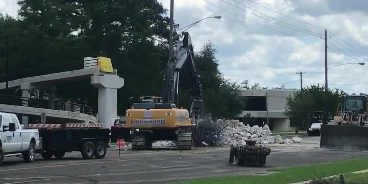 Traffic reopened after pedestrian bridge comes down at Kilgore College