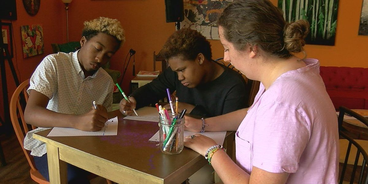 'Peaceful Postcard Party' will petition Robert E. Lee High School name change