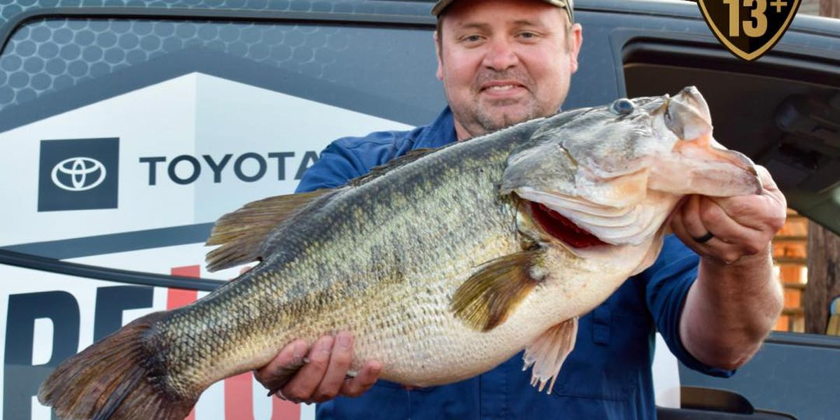 Whitehouse man smashes largemouth bass record at Lake Tyler with 15.44lb catch