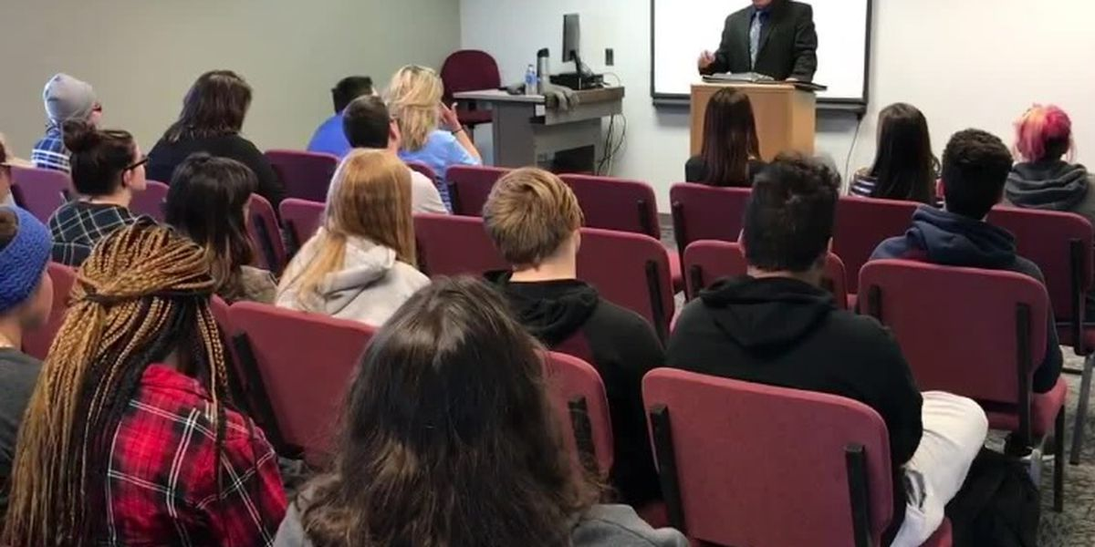 KLTV Journalist Bob Hallmark featured speaker for Kilgore College's 'Day in the Live' lecture series