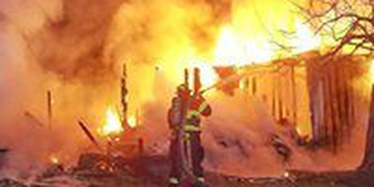 Early morning fire destroys structure in Kilgore