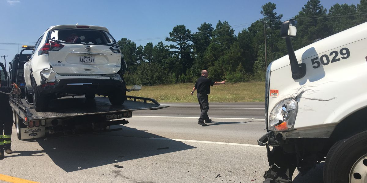 Crews responding to multi-vehicle wreck on I-20 at Toll 49