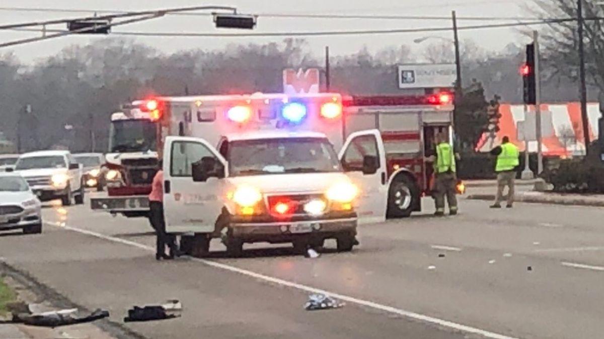 TRAFFIC ALERT: Crews responding to major traffic crash on West Gentry Parkway