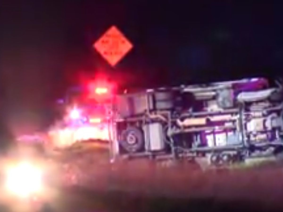 Wreck involving ambulance blocking westbound Hwy 31 at FM 2661
