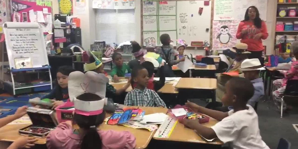 Elementary school students in Tyler celebrate 100th day of school