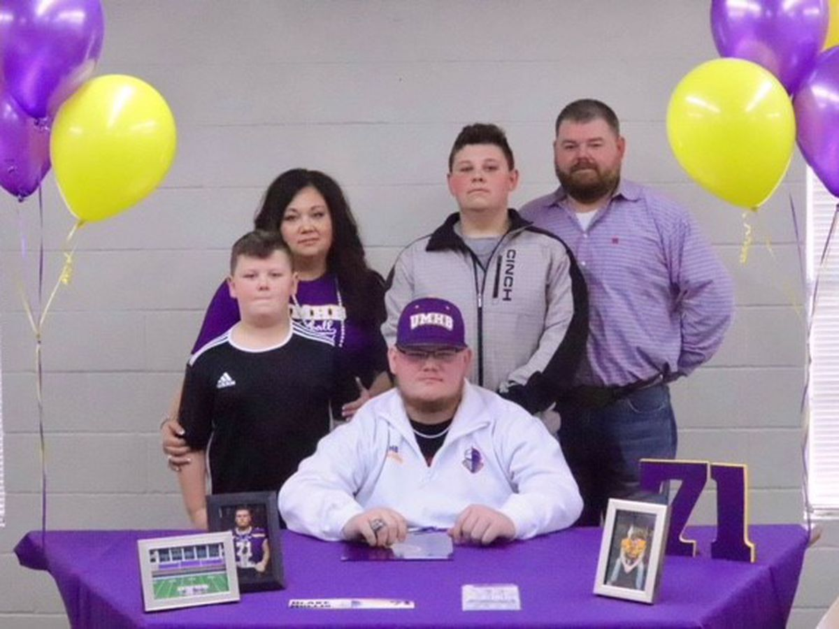 Groveton's Blake Hollis commits to University of Mary Hardin-Baylor