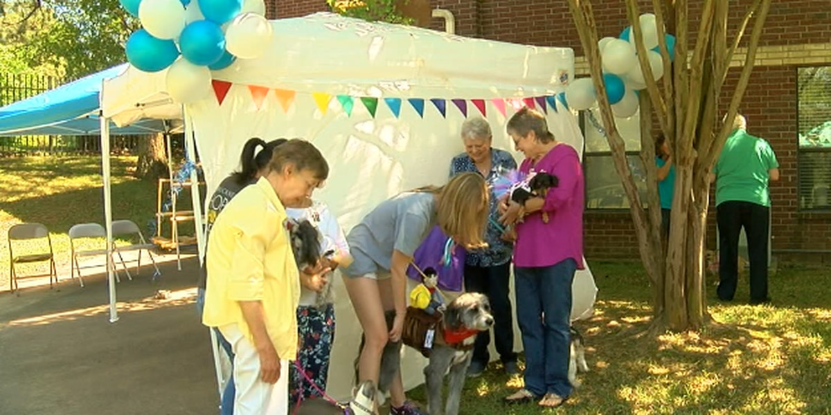Buckner Westminster Place seniors crown four-legged champion in residence dog show