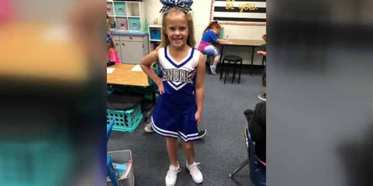 Pink for Paisley: Lindale shows support for elementary student with Type 1 diabetes