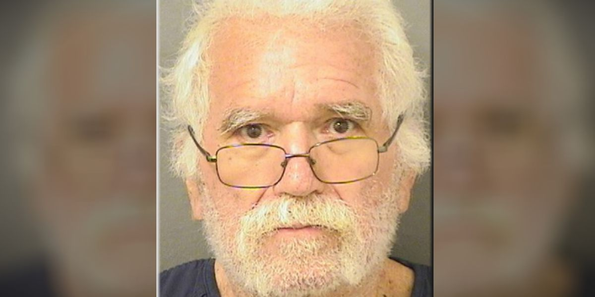 Florida man demands less money during bank robbery, deputies say