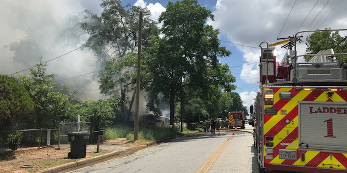 Crews responding to structure fire on South Fleishel Avenue