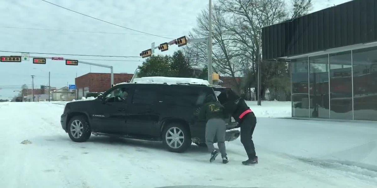 Good samaritans in Longview come to the rescue