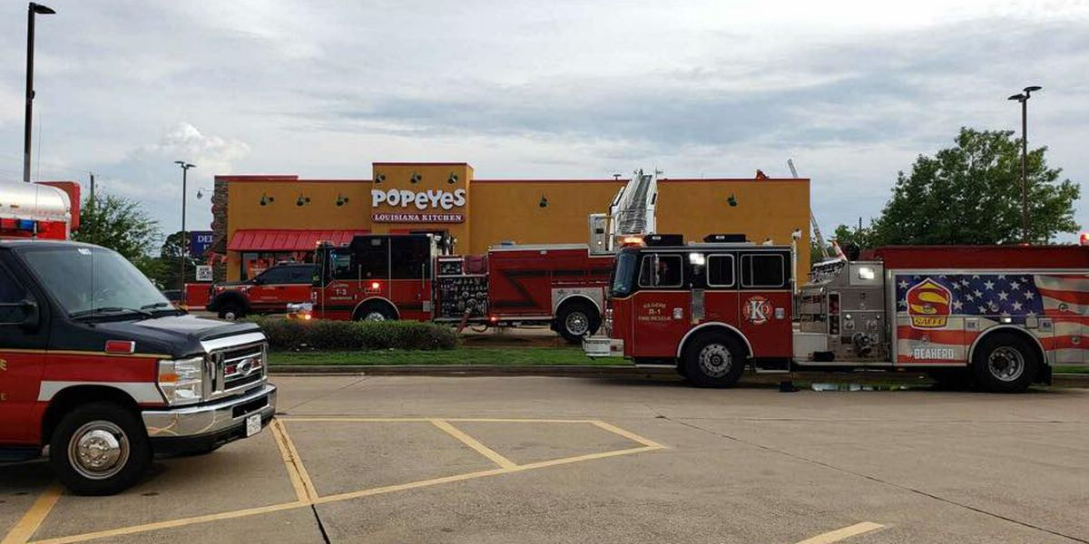 Kilgore Fire Department responding to fire at restaurant on US 259 Business