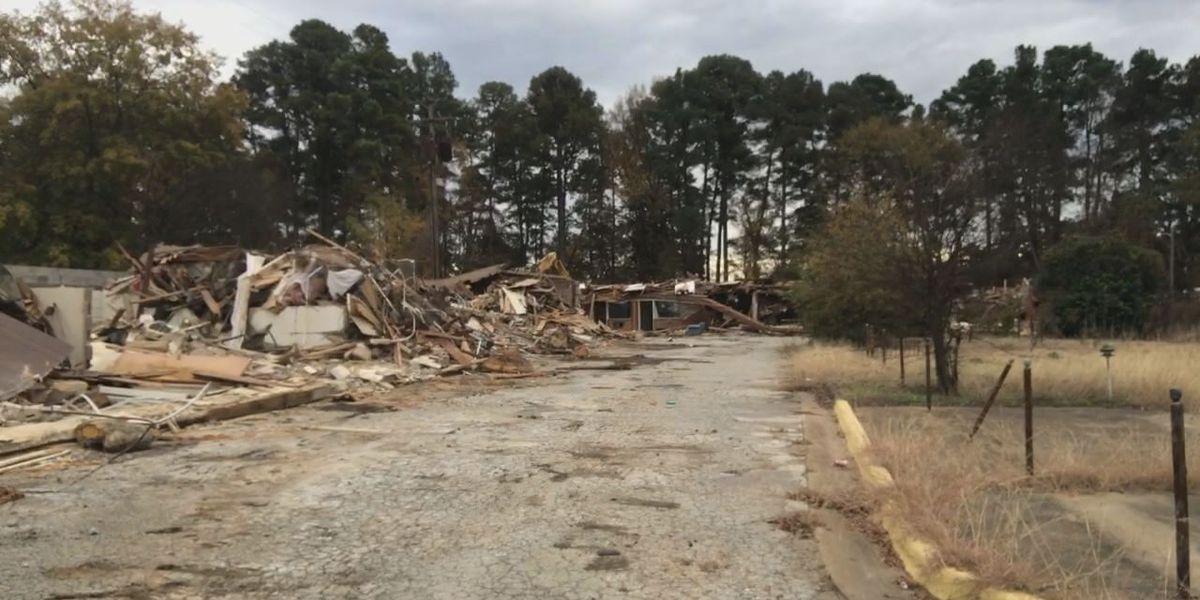 Demolition of notorious Globe Inn underway in Longview