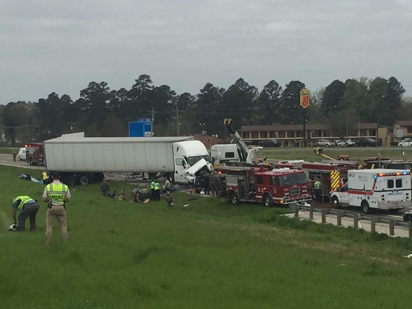Family, truck driver killed in massive wreck in Mount