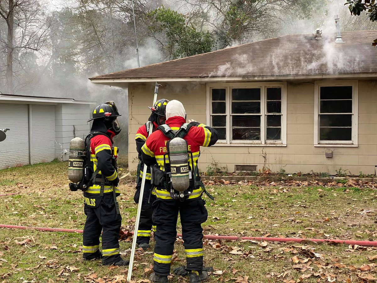 Kilgore crews on scene of house fire