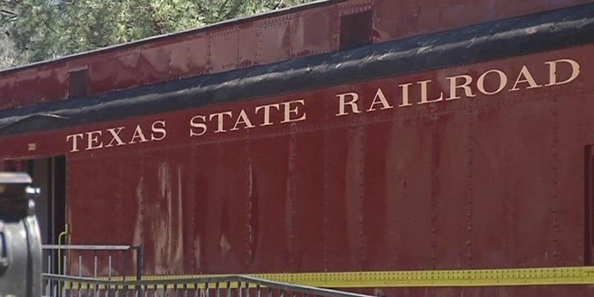 Texas State Railroad pays off $1 mil debt, now adding on to Polar Express