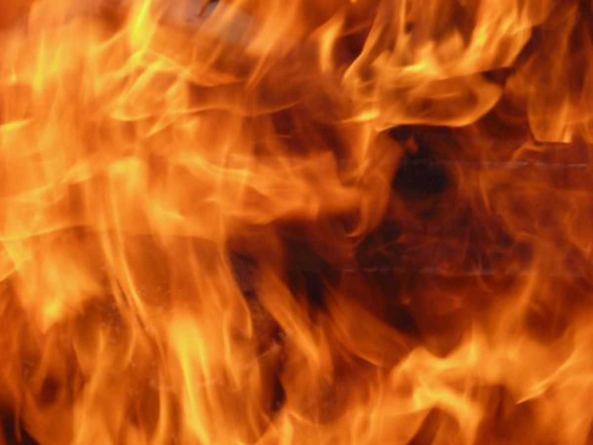 Longview Fire Department officials investigating blaze at vacant home