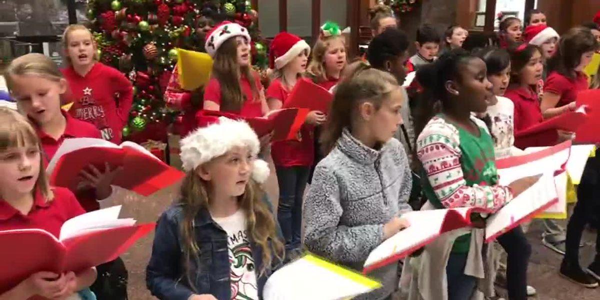 Elementary students spend school day caroling around Longview