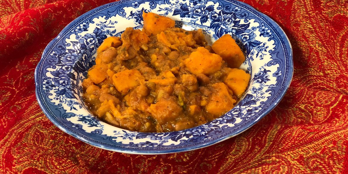 Sweet potato-black bean chili by Mama Steph