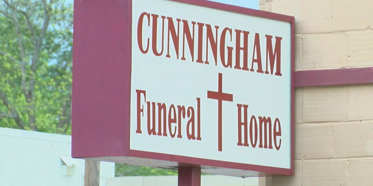 Funeral homes alter services to comply with social distancing guidelines