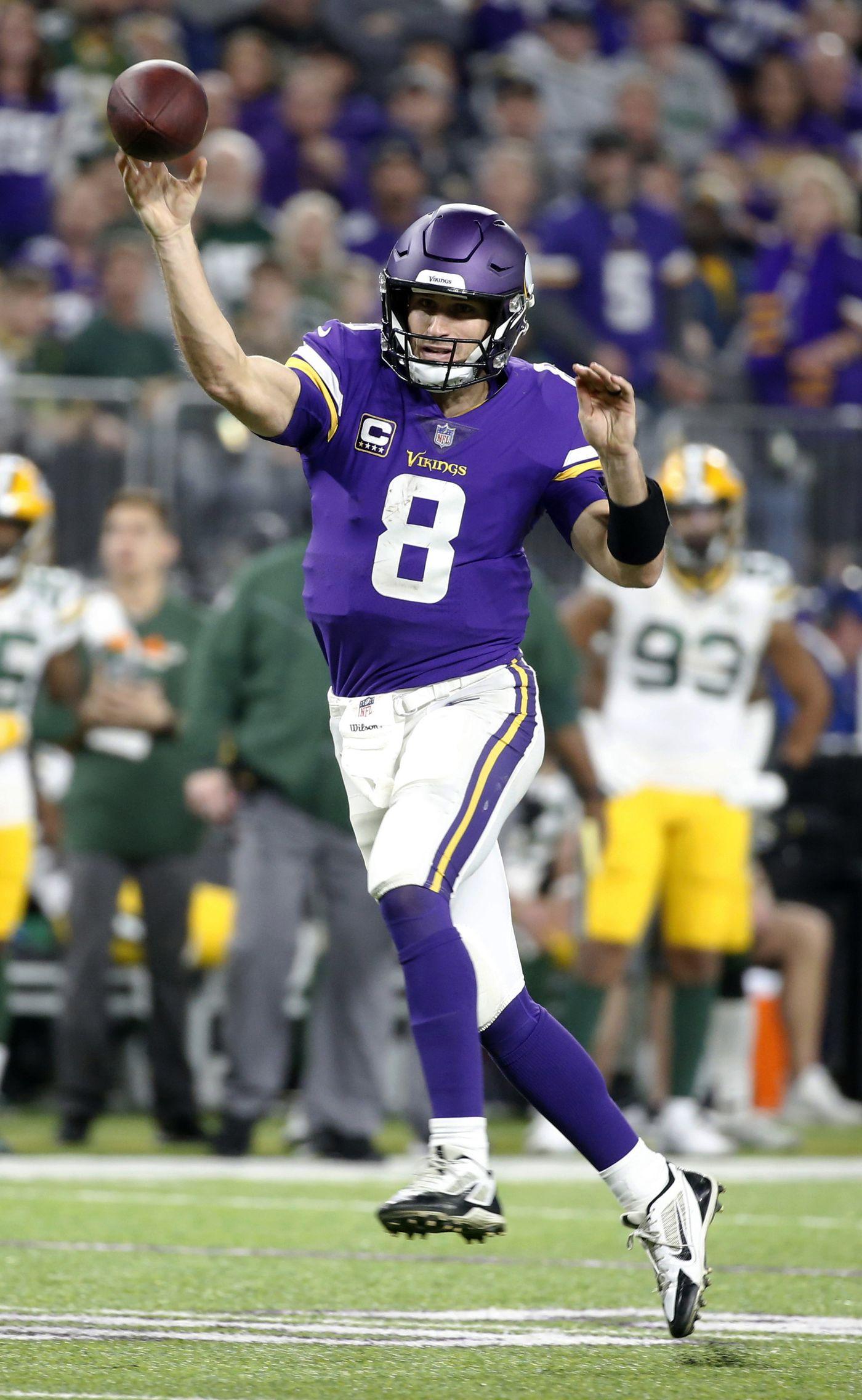 7d60cbe31 Minnesota Vikings quarterback Kirk Cousins throws a 14-yard touchdown pass  to wide receiver Adam